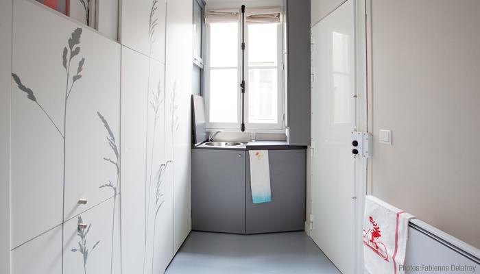 Space Saving with Hidden Amenities - Tiny 8 sqm Parisian Apartment  (13)